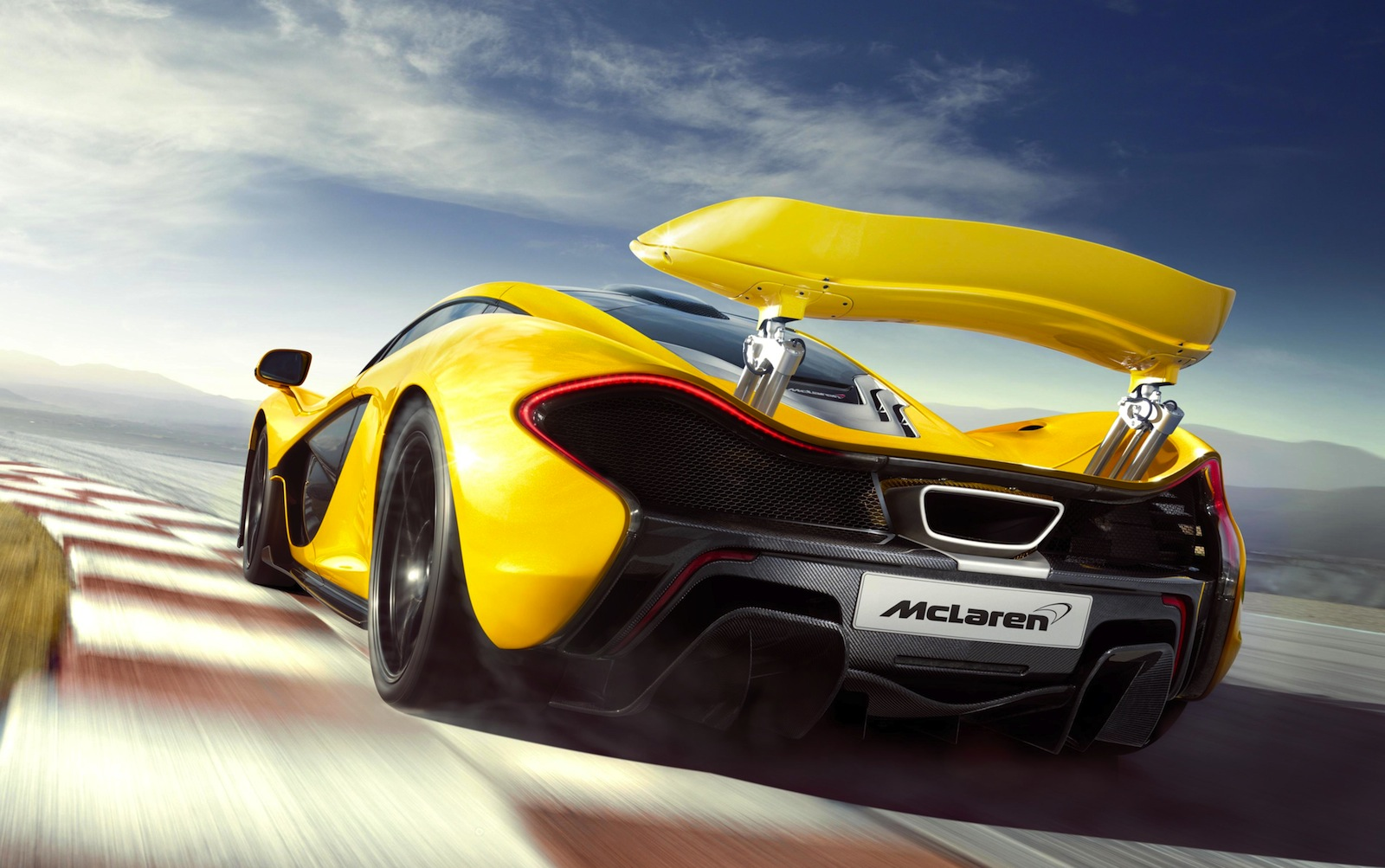 Specificatiile modelului P1 de la Mclaren