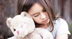 Cum sa iti ajuti copilul sa scape de fricile din toiul noptii