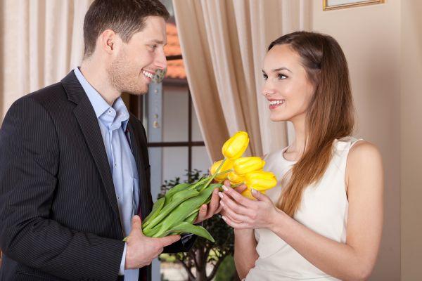 Cum schimba florile atitudinea unei femei?