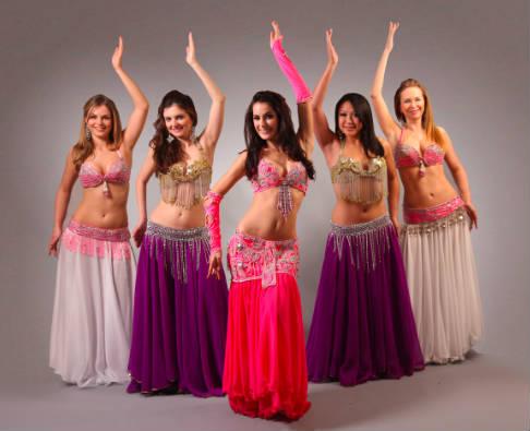 De ce dansatoarele de belly dance sunt cele mai atragatoare?