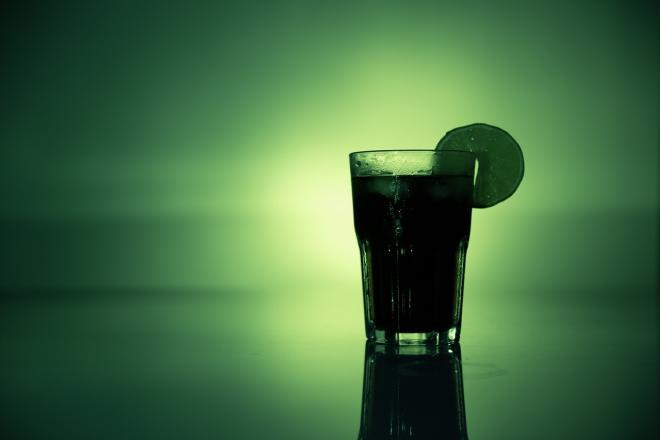 Ce cauzeaza aparitia alcoolismului?