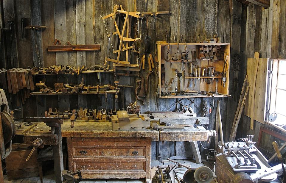 Vrei sa fii un adevarat gospodar la casa ta? Afla ce NU trebuie sa lipseasca din coltul tau de unelte!